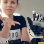 videoblocks-female-controls-electronic-prosthetic-arm-using-bionics-technology_b8nioxjsx_thumbnail-full01